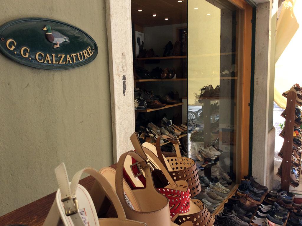 Negozio calzature a Lazise